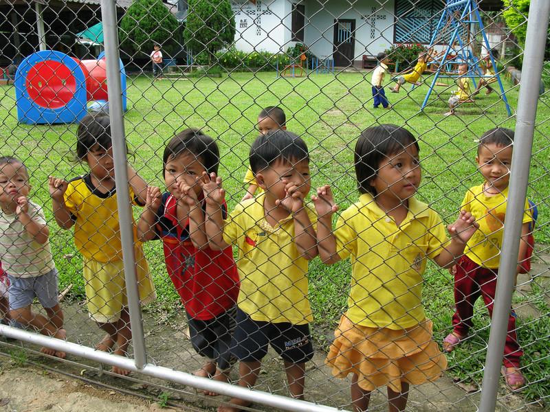 Karen Village (Ban Ruammitr) children in school