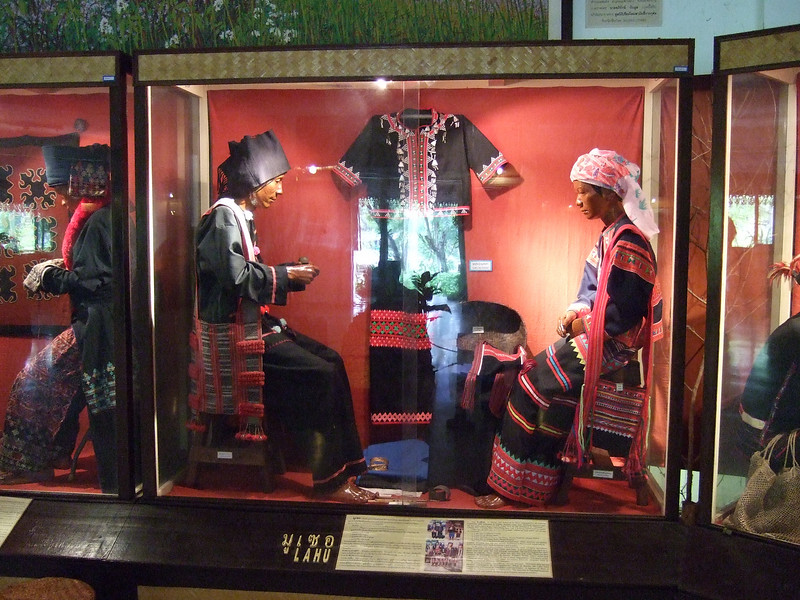 Dress of the Lahu tribe ...