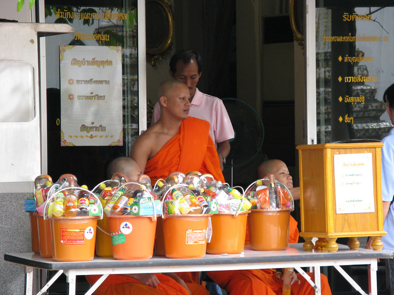 Monks at Wat Po