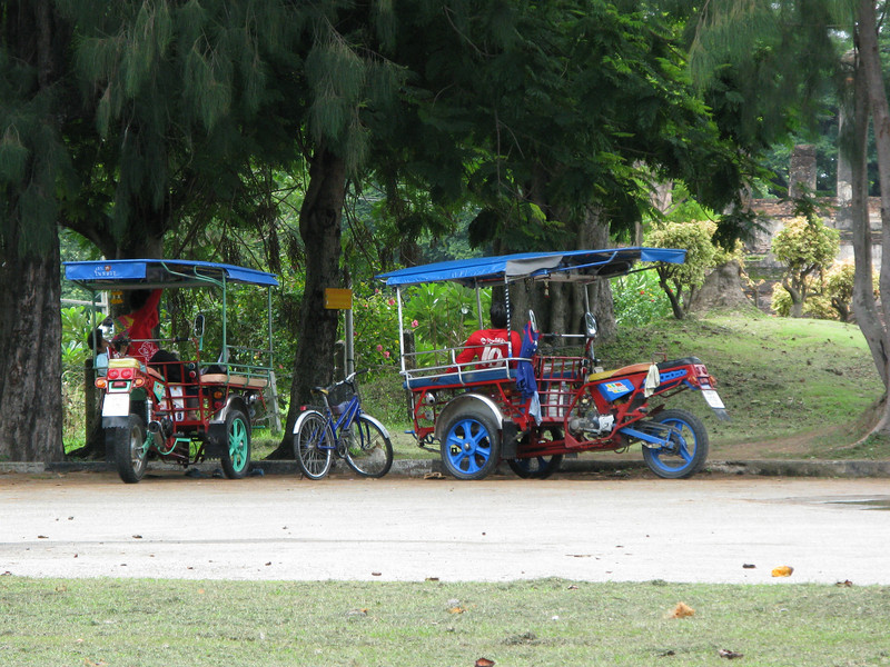 Tuc Tucs at the Wat Si Chum Grounds