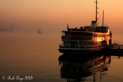 Istanbul wakes up - Istanbul, Turkey ... March 13, 2011 ... Photo by Rob Page III