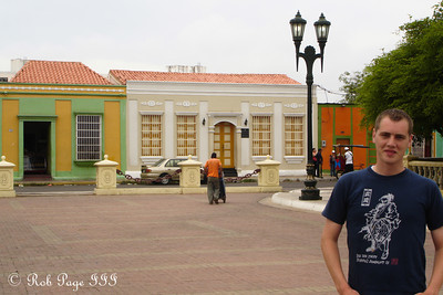 Rob in the colonial center of the city - Maracaibo, Venezuela ... August 11, 2013