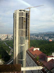 Torre Este - Caracas, Venezuela ... September 22, 2005 ... Photo by Rob Page III