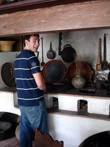 John, doing more cooking at the Museo de Arte Colonial than at 1430 - Caracas, Venezuela ... September 23, 2005 ... Photo by Rob Page III
