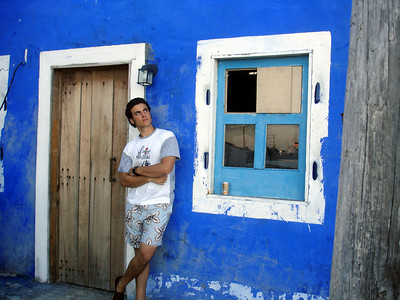 Pedro chilling in front of one of the buildings - Los Roques, Venezuela ... September 30, 2005 ... Photo by Rob Page III