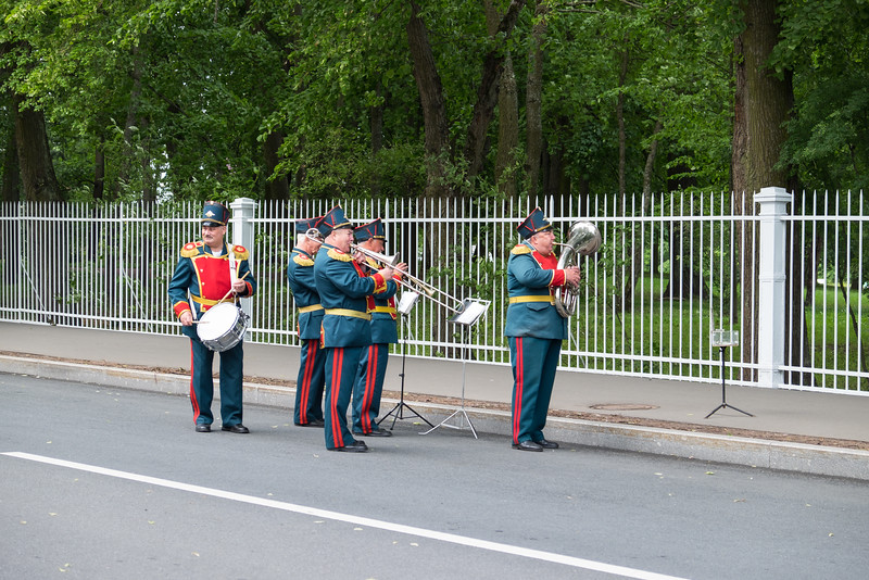 Musicians playing outside Catherine Palace, Saint Peterburg, Russia.