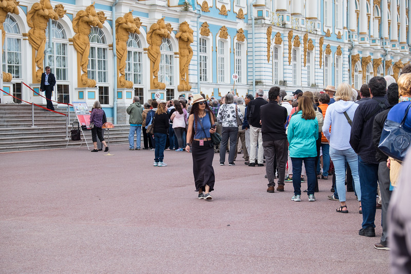 Lost tourist at Catherine Palace.