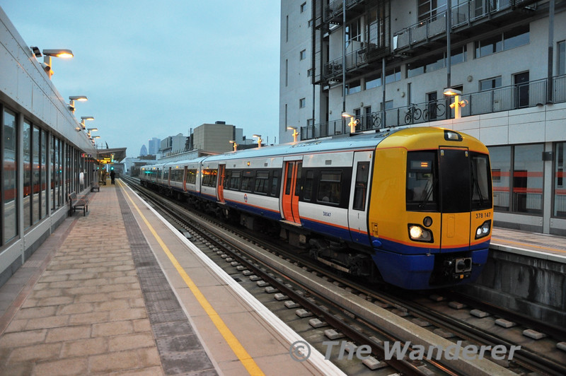 378147 at Haggerston on the East London Line. Sat 20.11.10