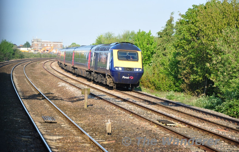 43033 leads a HST service near Taunton. Wed 13.05.10