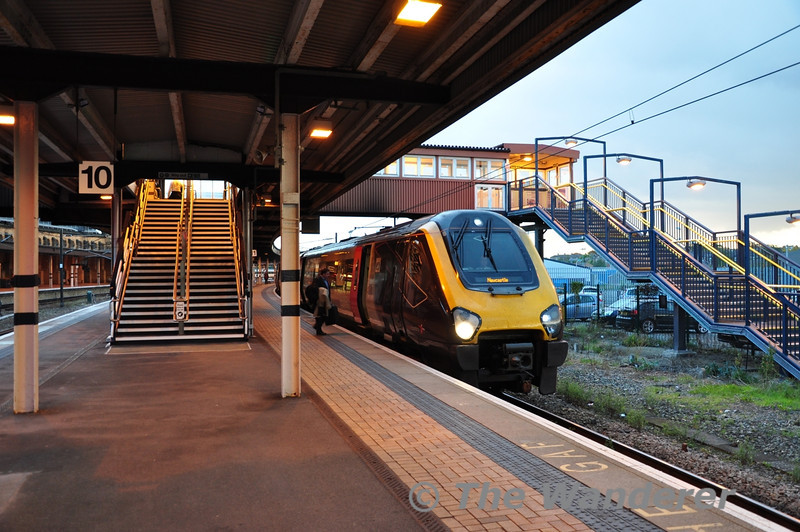 221119 at York with the 1348 Reading - Newcastle. Wed 17.10.12