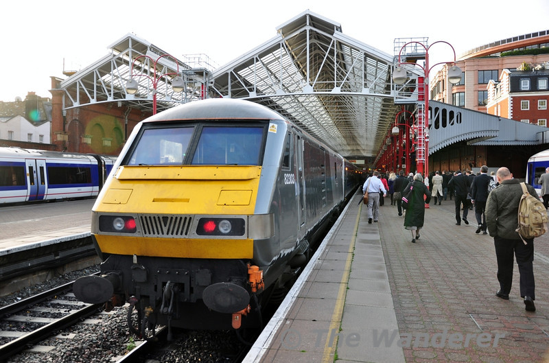 82303 at London Marylebone prior to leading the 0837 to Birmingham Moor Street. Wed 17.10.12