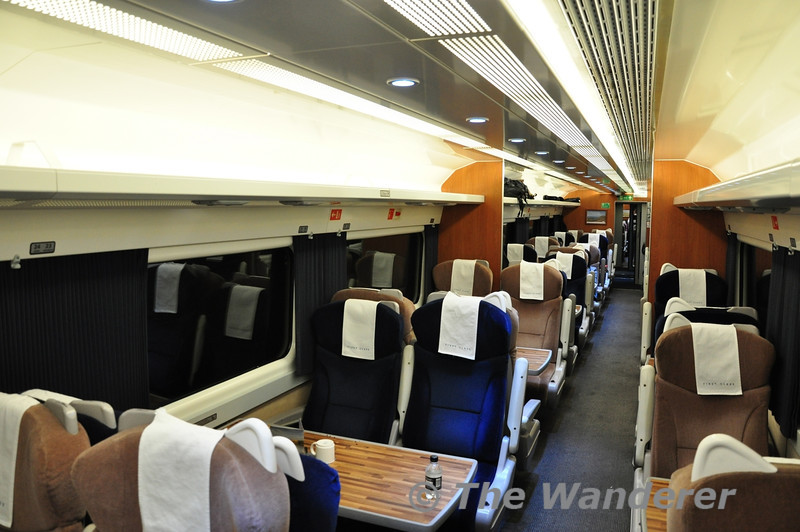 First Class interior on a East Coast Trains MKIII vehicle.  Wed 17.10.12
