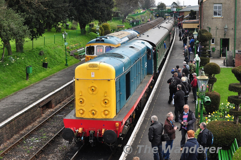 20087 arrives at Ropley with the 1010 Alton - Alresford.  Fri 26.04.13