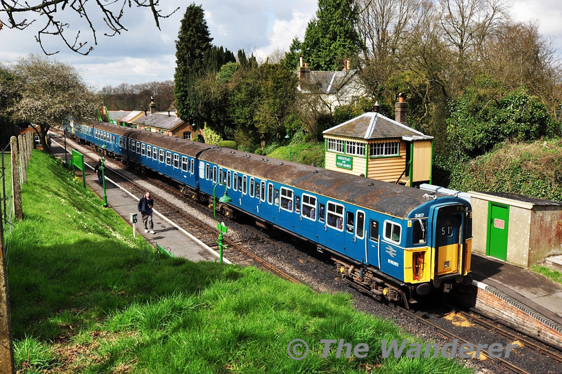 3417 + 33109 at Medstead and Four Marks while working the 1025 Alresford - Alton.  Fri 26.04.13