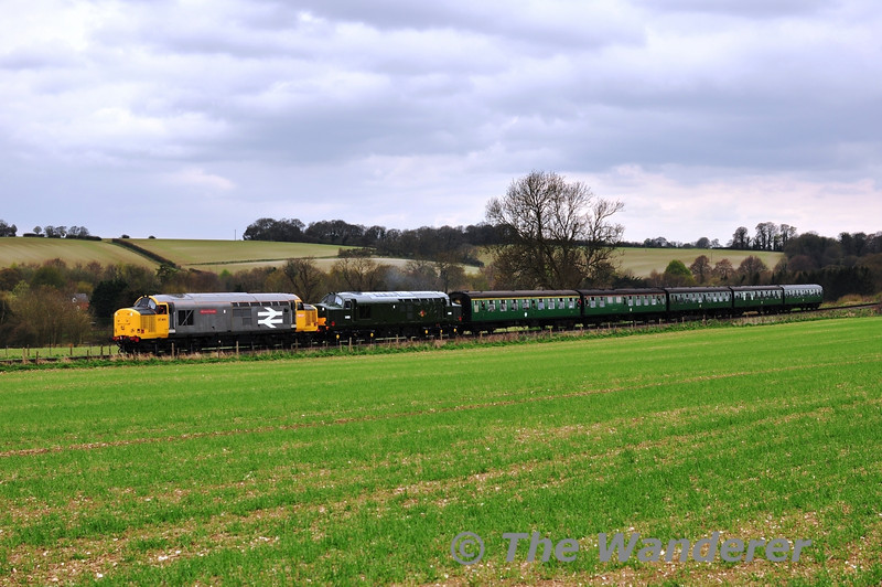 37901 and 37905 were paired up for the 1225 Alresford - Alton. This was the only doubled headed working on each day. Sat 27.04.13