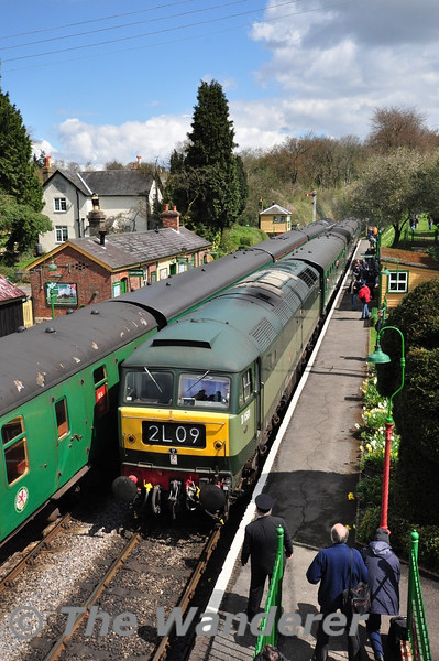 D1501 arrives at Medstead and Four Marks in charge of the 1210 Alton - Alresford.  Fri 26.04.13
