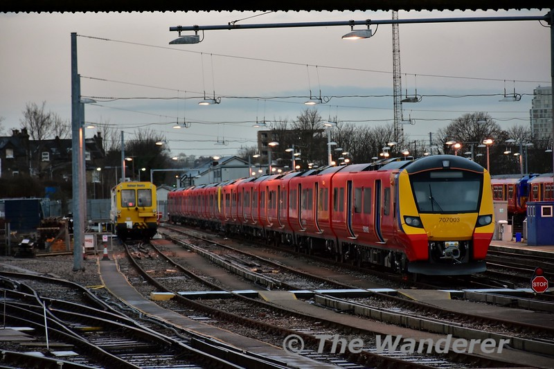 South West Trains have started to take delivery of new Class 707 trains, these are a variation on the Thameslink Class 700's but only formed into 5 car sets. Sat 14.01.17