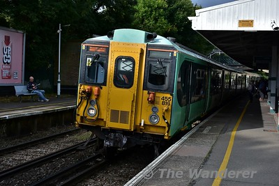5816 arrives at Carshalton Beeches with the 0924 Sutton to London Victoria. Sat 16.09.17