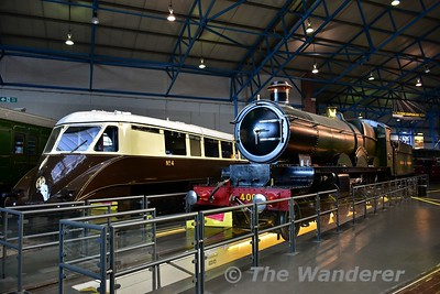 """Great Western Railway Diesel Railcar No 4 & Great Western Railway, 4-6-0 No 4003 """"Lode Star"""" on display in the Great Hall at the National Railway Museum. Sun 12.11.17"""