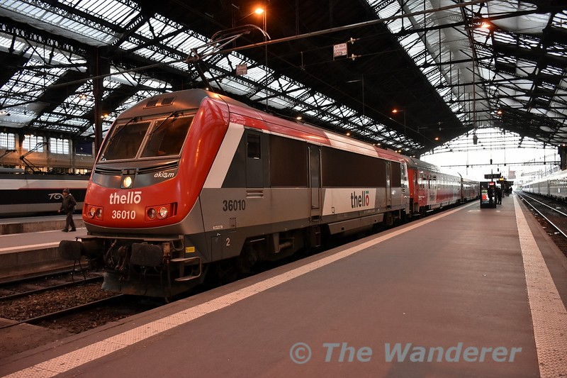 Thello lease three locomotives for their Paris - Venice Sleeper train for use between Paris and Vallorbe. Here we see 36010 at Gare de Lyon after bringing the empty stock into the station. Tues 20.03.18