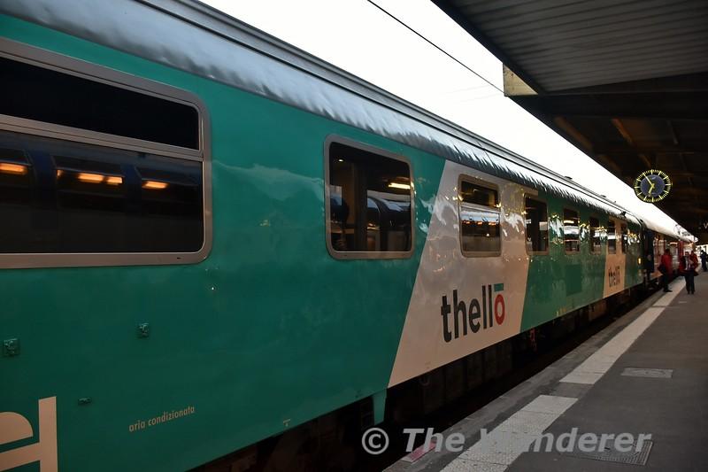 Thello Sleeping Car carriages at Paris Gare de Lyon. Tues 20.03.18