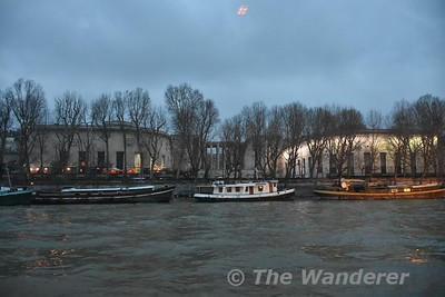 Riverboat cruise along the Seine. Sun 18.03.18