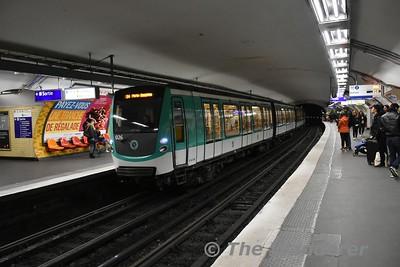 Line 2 at Charles de Gauelle Etoile. Sun 18.03.18