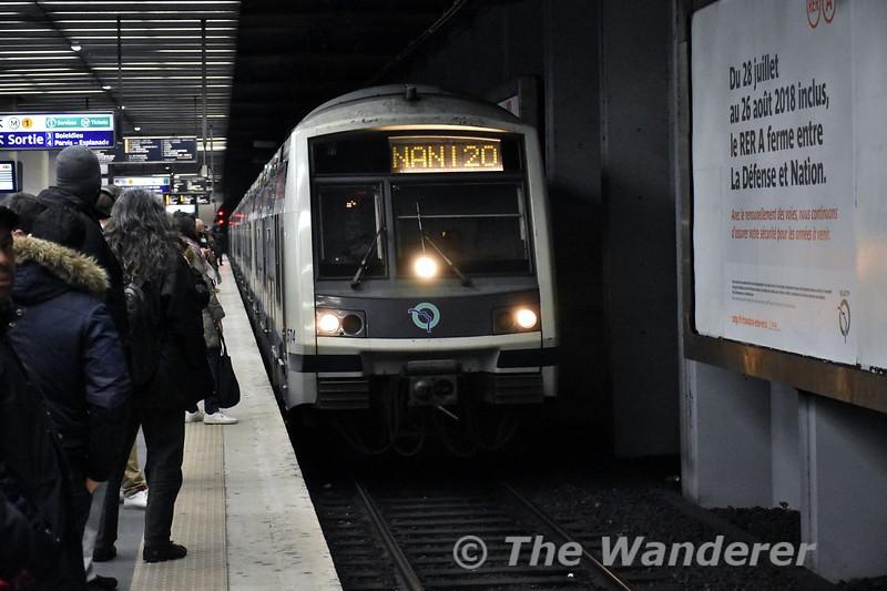 1574 on a Line A RER train arrives at La Défense. Tues 20.03.18