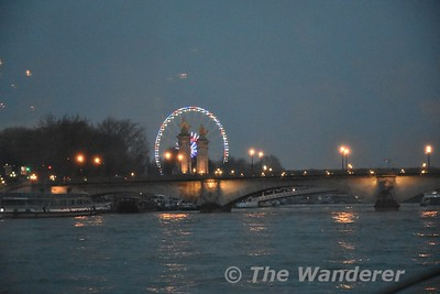 Riverboat cruise along the Seine. Sun 18.03.18