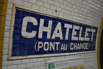 Traditional tiled station nameboard. Chatelet. Sun 18.03.18