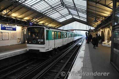 Line 6 train at La Motte Picquet Grenelle. Sun 18.03.18
