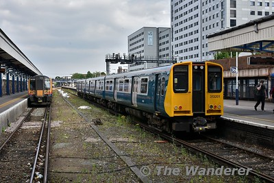 313201 at Portsmouth & Southsea after arriving with the 1502 from Brighton. It will now form the 1633 back to Brighton. Wed 23.05.18