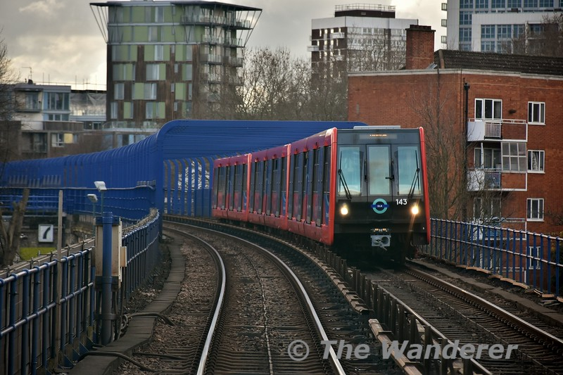 143 approaches Westferry. Thurs 15.03.18