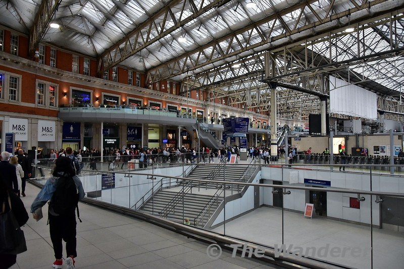 The walk from the new Winsdor Line Platforms to the main concourse at London Waterloo. Wed 14.08.19