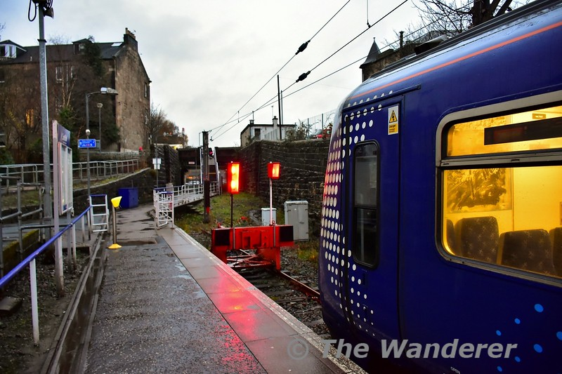 320307 at Paisley Canal after arriving from Glasgow Central. It will now form the 1605 Paisley Canal to Glasgow Central. Tues 26.11.19