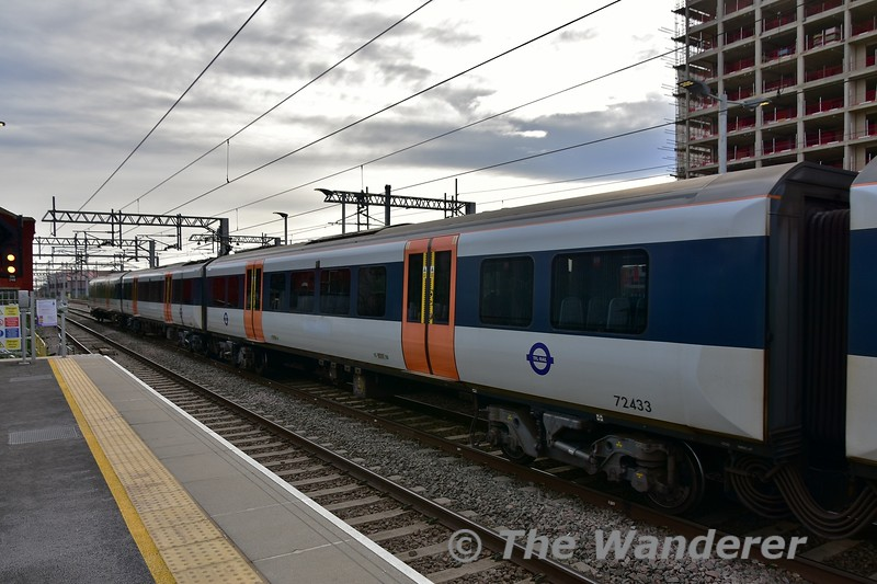 The former Heathrow Connect livery on 360203. This service is now part of TfL rail which will become Crossrail. Fri 05.04.19