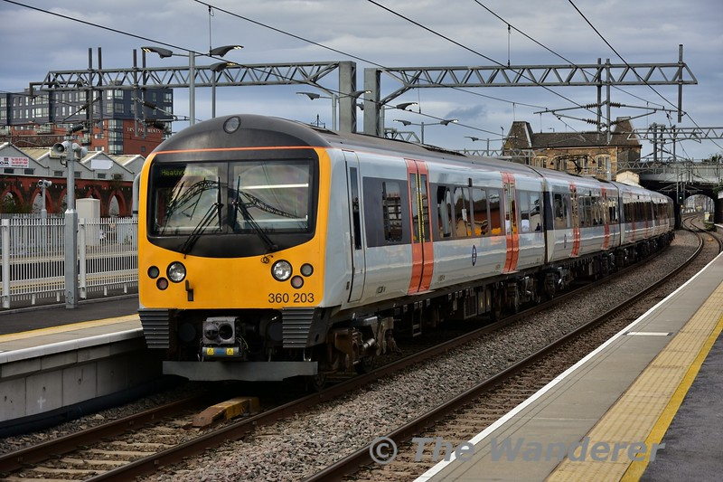 360203 arrives at Southall with the 0932 London Paddington to Heathrow Airport Terminal 4. Fri 05.04.19