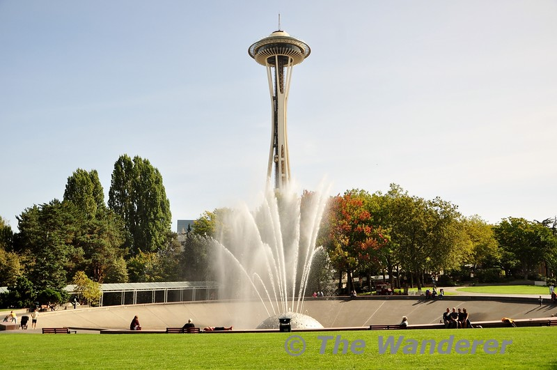 The International Fountain in Seattle with the Space Needle behind. Wed 25.09.19