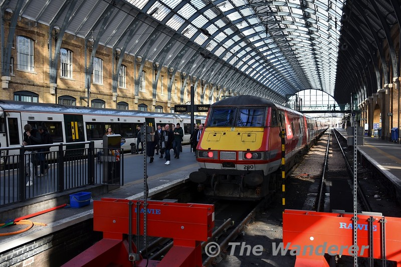 MKIV DVT 82230 at Kings Cross after working the 0600 Berwick-upon-Tweed to London Kings Cross. Mon 10.02.20