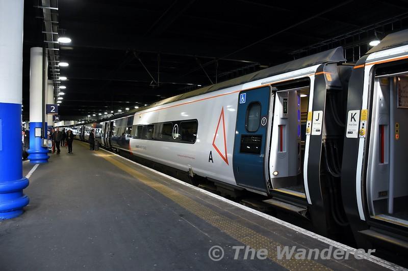 390155 at London Euston prior to working the 1103 London Euston to Birmingham New Street. Mon 10.02.20