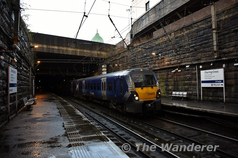 334022 arrives at Charing Cross with the  1201 Partick to Springburn. Sun 09.02.20