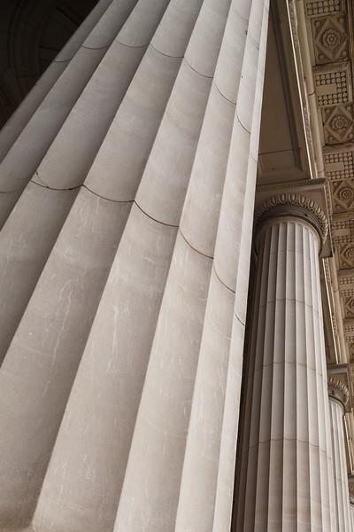 Victoria, Melbourne - Columns