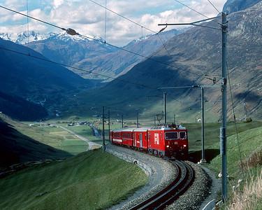October 1995.  FO climbing east from Andermatt.