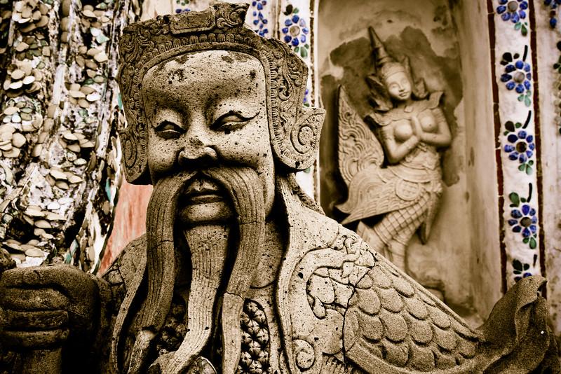 Wat Arun Figures 2404cs