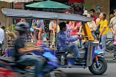 Bangkok Street Scene 2433