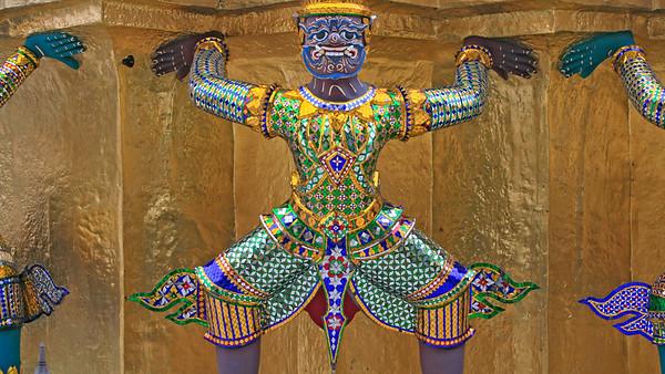 Wat Phra Kaeo Chedi Figure 2626p