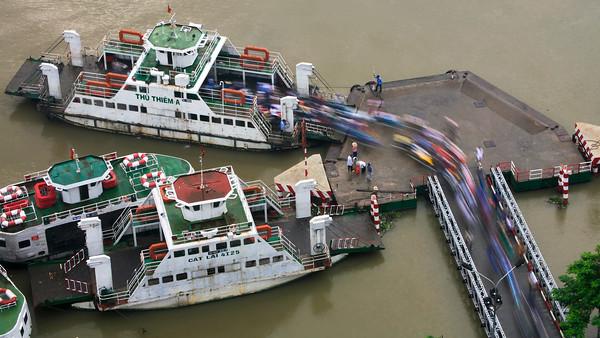 Ferry Feeding 3235