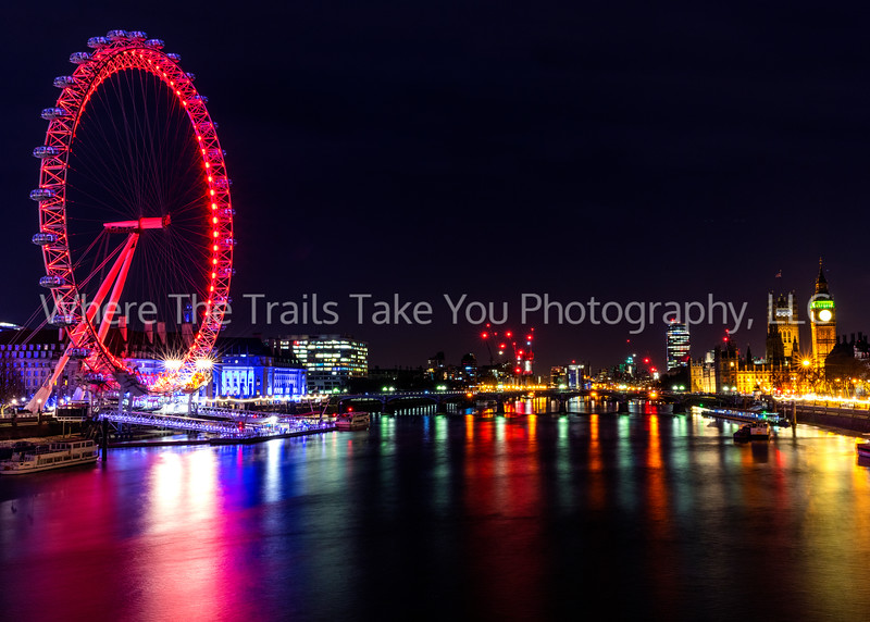 Christmas Eve Along The Thames
