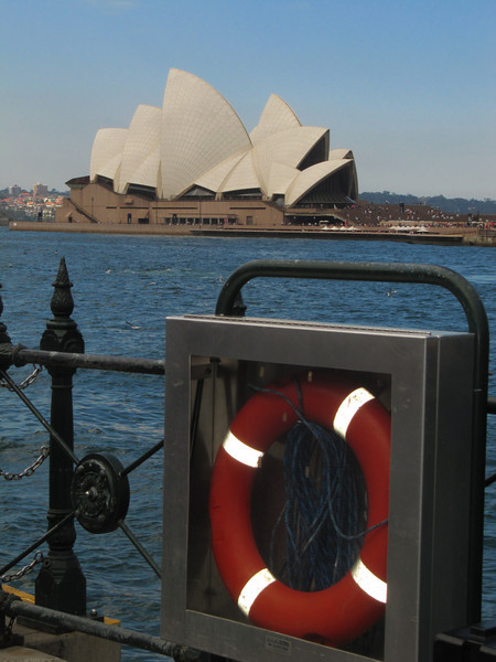 This was one of the first photos I took in Sydney.... turned out to be my best shot of the Opera House