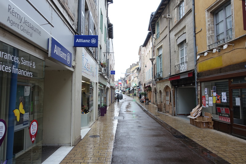Tournus city street